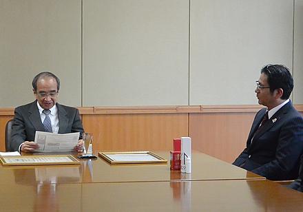 大分県から初めての受賞が出るのは実に嬉しいと語る広瀬知事